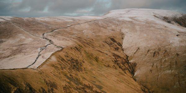 mont merrick randonnée écosse promenade coline montagne neige